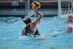 Maria Sell in the pool during a water polo match